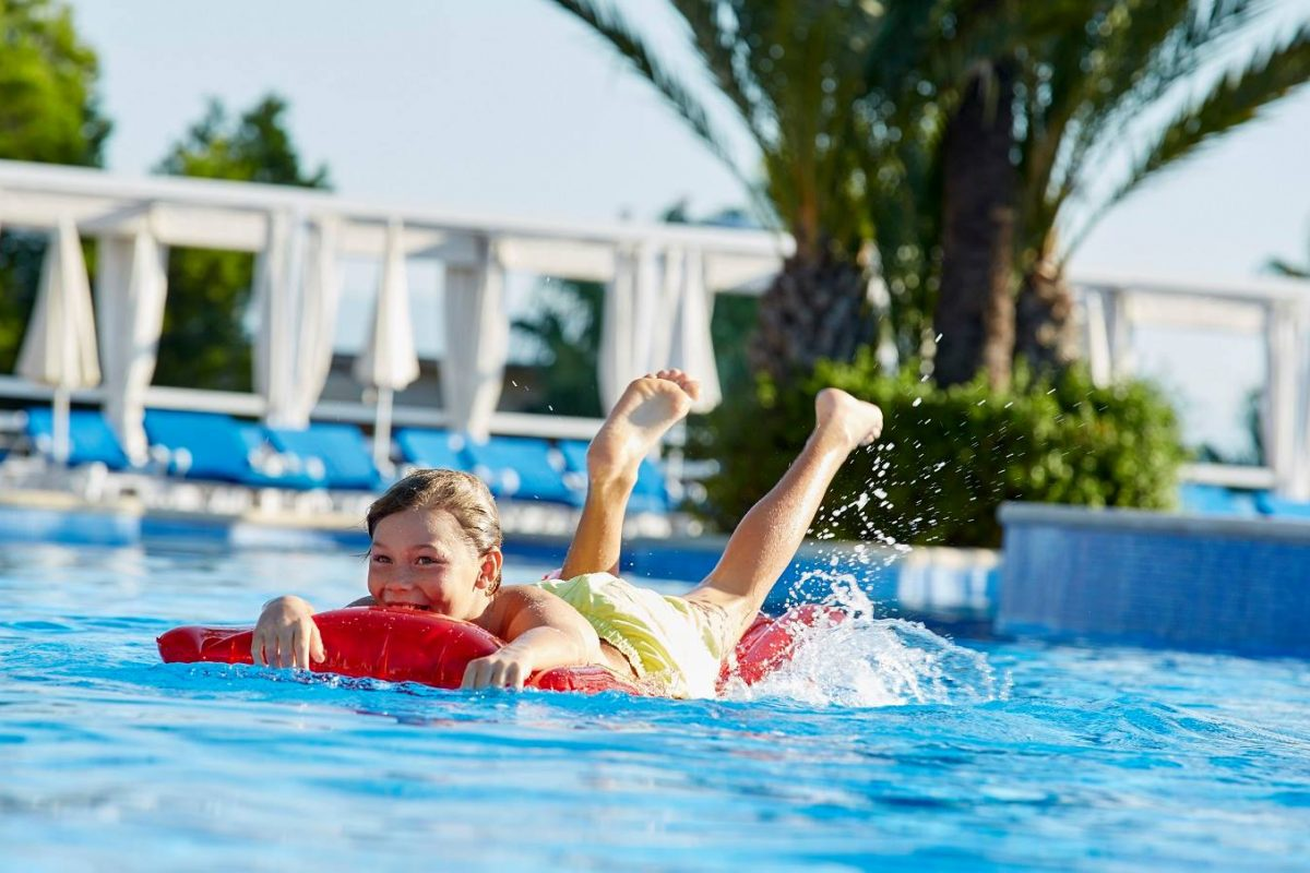 "<span class=""hot"">Hot <i class=""fa fa-bolt""></i></span> Jet2 Holidays 2017 Sale – Save £100 Per Person"