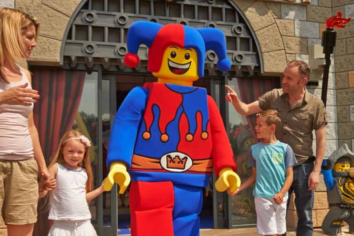 "<span class=""hot"">Hot <i class=""fa fa-bolt""></i></span> Legoland Castle hotel special offers"